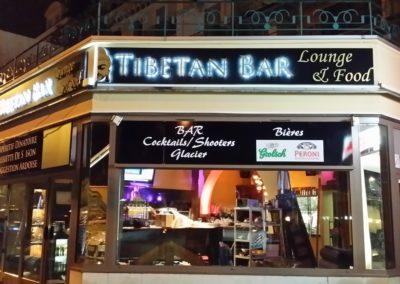 Enseigne lumineuse à leds Tibetan Bar à Evian